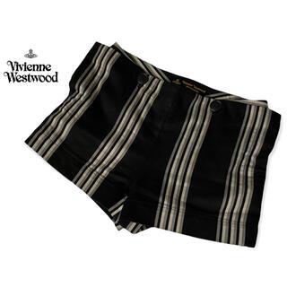 ヴィヴィアンウエストウッド(Vivienne Westwood)の【送料込み】ヴィヴィアンウエストウッドアングロマニア ショートパンツ ストライプ(ショートパンツ)