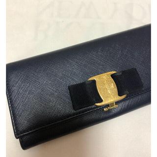 サルヴァトーレフェラガモ(Salvatore Ferragamo)のサルヴァトーレ フェラガモ 長財布 紺(財布)
