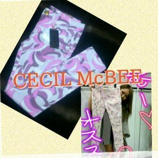 セシルマクビー(CECIL McBEE)のCECIL McBEE♡プッチ柄スキニー(カジュアルパンツ)