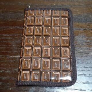 キューポット(Q-pot.)のQ-pot♪チョコレート柄♪書類ケース♪パスポートケース♪カードケース♪ポーチ(ポーチ)