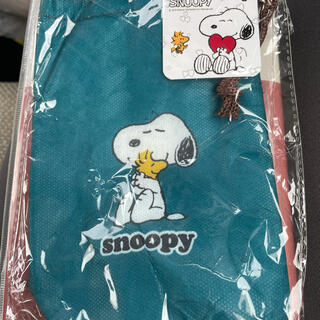 SNOOPY - 新品 SNOOPY ペットボトルホルダー