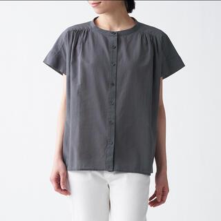 ムジルシリョウヒン(MUJI (無印良品))の無印良品 洗いざらし強撚フレンチスリーブブラウス シャツ XS ミディアムグレー(シャツ/ブラウス(半袖/袖なし))