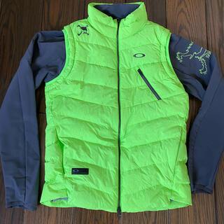オークリー(Oakley)のOAKLEY オークリー ダウンベスト M 2WAYジャケット 新品未使用(ウエア)