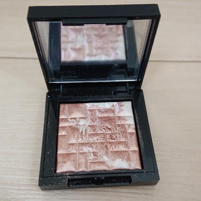 BOBBI BROWN(ボビイブラウン)のボビイブラウン ミニハイライティングパウダー ピンクグロウ コスメ/美容のベースメイク/化粧品(フェイスパウダー)の商品写真