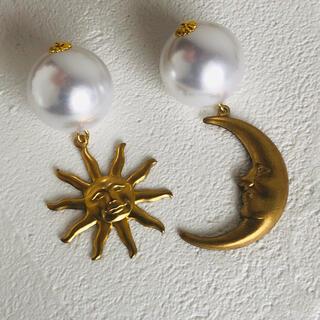 H.P.FRANCE - 大ぶり ヴィンテージ 真鍮 太陽 月 揺れる パール 個性派  イヤリング