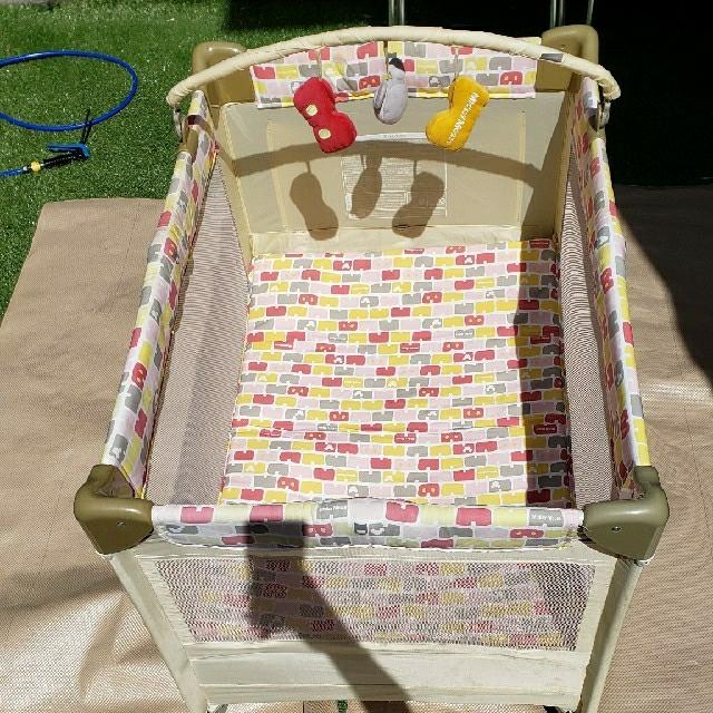 カトージ ベビーベット ミッキー ディズニー キッズ/ベビー/マタニティの寝具/家具(ベビーベッド)の商品写真