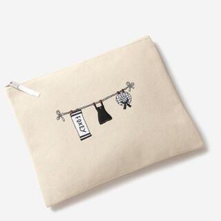 フォクシー(FOXEY)の新品未使用品 フォクシー ノベルティ フラットポーチ 刺繍 ロゴ入り(ポーチ)