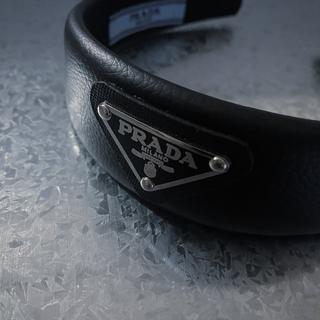 プラダ(PRADA)のPRADA カチューシャ 革タイプ(カチューシャ)