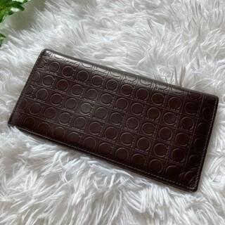 サルヴァトーレフェラガモ(Salvatore Ferragamo)のサルヴァトーレフェラガモ 財布 ガンチーニ レザー 型押し(財布)