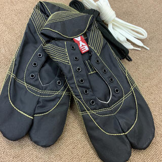 【無敵】伝統職人の匠技が創り出すランニング足袋 ブラック27.5cm ※箱なし(シューズ)