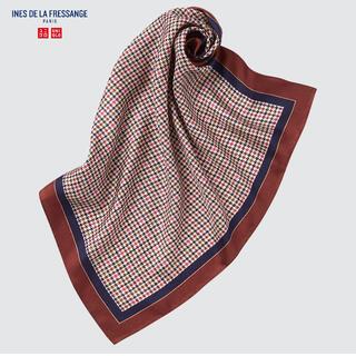 ユニクロ(UNIQLO)のUNIQLOイネス シルクプリントスカーフ(バンダナ/スカーフ)