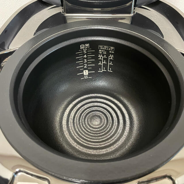 TIGER(タイガー)のTIGER 土鍋圧力IHジャー炊飯器 スマホ/家電/カメラの調理家電(炊飯器)の商品写真