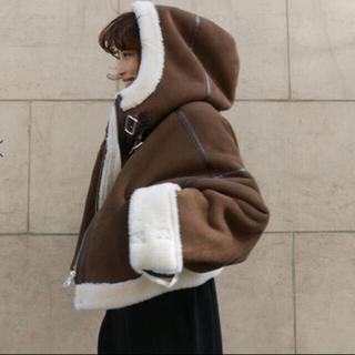 アメリヴィンテージ(Ameri VINTAGE)のETRE TOKYO エコムートンクロップドジャケット(ムートンコート)
