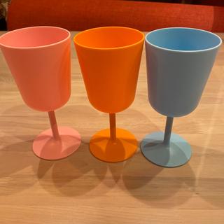 イケア(IKEA)のIKEAプラスチックワイングラス3個セット(食器)