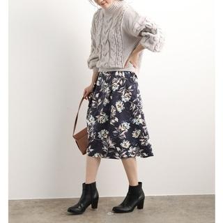 ヴィス(ViS)の《ViS》花柄 フラワー釦スカート M(ひざ丈スカート)