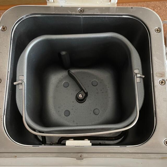 ホームベーカリーTWINBIRD  ツインバード PY-E631 ホワイト スマホ/家電/カメラの調理家電(ホームベーカリー)の商品写真