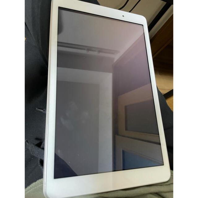 au(エーユー)のQuatab スマホ/家電/カメラのPC/タブレット(タブレット)の商品写真