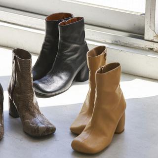 トゥデイフル(TODAYFUL)のSquare Short Boots(ブーツ)