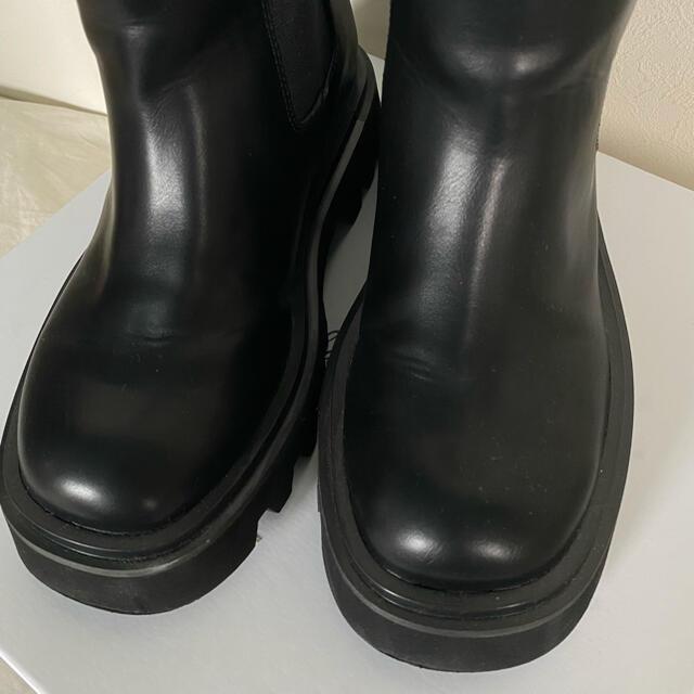 Mila Owen(ミラオーウェン)のインヒールショートサイドゴアブーツ レディースの靴/シューズ(ブーツ)の商品写真