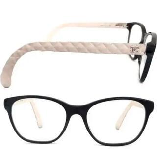 シャネル(CHANEL)のシャネル ラバーマトラッセテンプル ココ♡黒×白 メガネ 3290 人気デザイン(サングラス/メガネ)