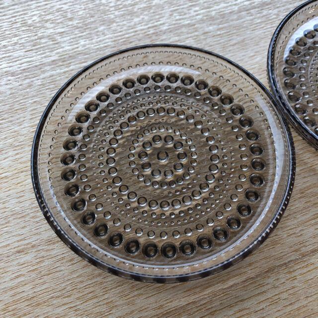 iittala(イッタラ)のイッタラ カステヘルミ リネン 10センチ プレート スコープ 北欧 ガラス  インテリア/住まい/日用品のキッチン/食器(食器)の商品写真