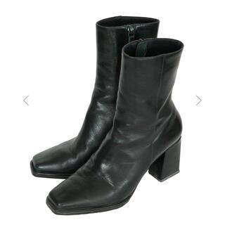 アメリヴィンテージ(Ameri VINTAGE)のSEAMLESS LITTLE SQUARE BOOTS チャコールブラック(ブーツ)