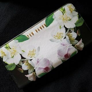 テッドベイカー(TED BAKER)のTED BAKER☆長財布(未使用に近い美品)(財布)