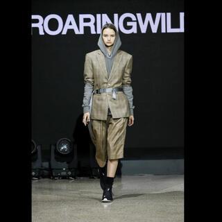 ジョンローレンスサリバン(JOHN LAWRENCE SULLIVAN)の期間限定値下げ roaringwild テーラードジャケット スーツ Sサイズ(テーラードジャケット)
