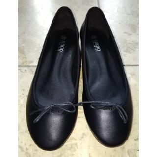 ナノユニバース(nano・universe)のナノユニバース黒リボンパンプス靴☆フラットシューズ革 37生活防水23cm(ハイヒール/パンプス)