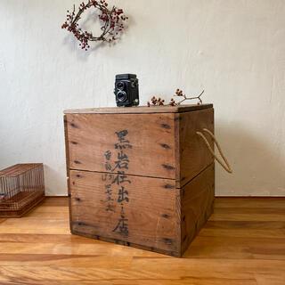 仕出し店の木箱 土佐の皿鉢入れ