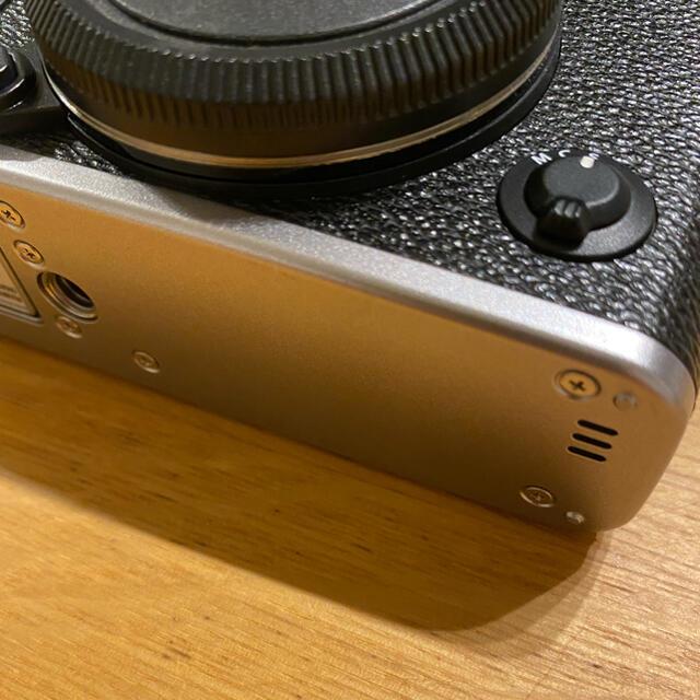 富士フイルム(フジフイルム)の【まなと様専用】FUJI FILM X−E3 SILVER 超美品 スマホ/家電/カメラのカメラ(ミラーレス一眼)の商品写真