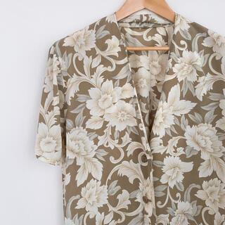 ロキエ(Lochie)の【古着】オーバー半袖シャツ 羽織 花柄 ブラウン vintage(シャツ/ブラウス(半袖/袖なし))