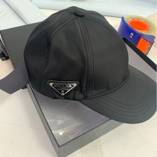 PRADA - $大人気新品 Prada キャップ 男女兼用 黑#701