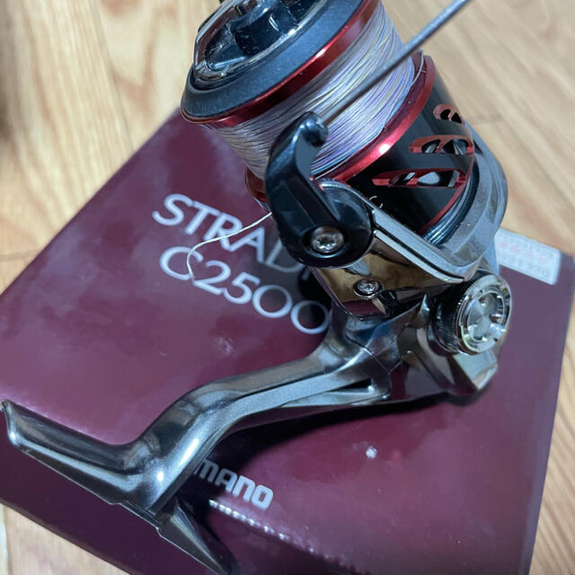 SHIMANO(シマノ)のストラデイックci4c2500値下げしました スポーツ/アウトドアのフィッシング(リール)の商品写真