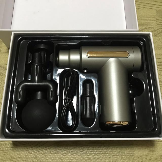 マッサージガン 電動マッサージ 腹膜リリース 振動max3200回/分 スポーツ/アウトドアのトレーニング/エクササイズ(その他)の商品写真