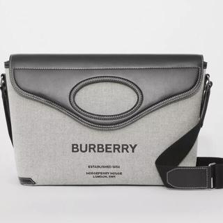 BURBERRY - Burberryホースフェリープリントキャンバスポケット メッセンジャーバッグ