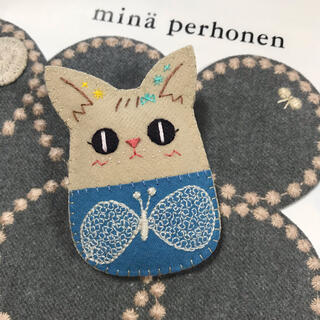 155【猫ブローチ*改】choucho ミナペルホネンファブリック使用