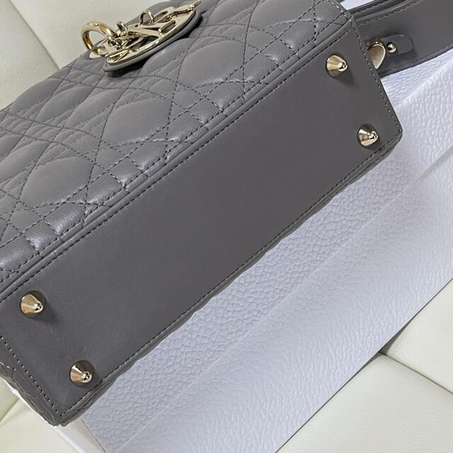 Christian Dior(クリスチャンディオール)の美品 レディディオール グレー  ladydior レディースのバッグ(ハンドバッグ)の商品写真