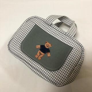 くまさん 刺繍 グレー ギンガムチェック おしりふき一体型おむつポーチ(外出用品)