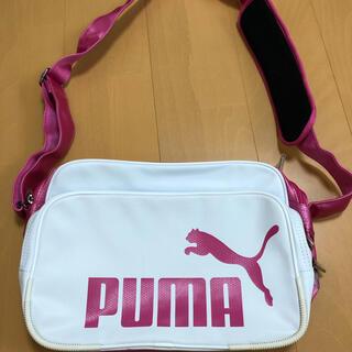 プーマ(PUMA)のPUMAエナメルバック(ショルダーバッグ)