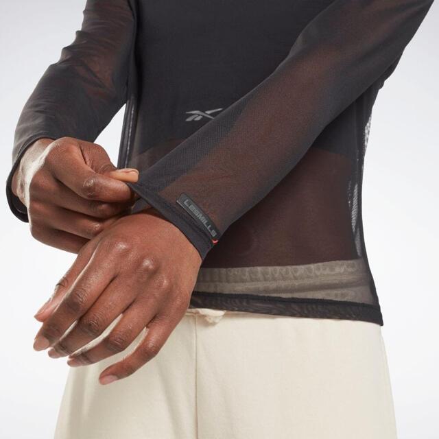 Reebok(リーボック)の新品Reebokレズミルズ ライトウエイト レイヤリング ロングスリーブ シャツ レディースのトップス(タンクトップ)の商品写真