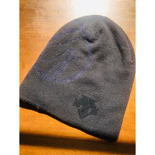 DESCENTE -  タイムセール❤️美品❗️DESCENTE × SWAROVSKI ニット帽 黒