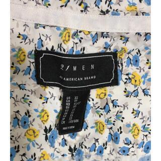フォーエバートゥエンティーワン(FOREVER 21)の小花柄半袖シャツ(シャツ)
