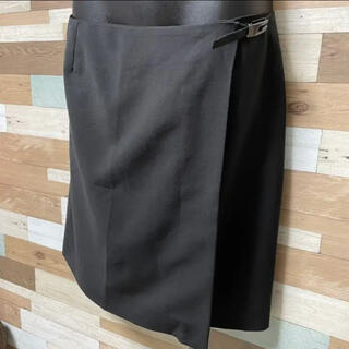 グッチ(Gucci)の【GUCCI】Gマークのベルトがポイント♡膝丈巻きスカート ♡(ひざ丈スカート)