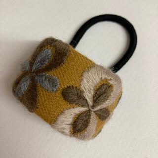 mina perhonen - ミナペルホネン ヘアゴム handmade petal flame キャメル