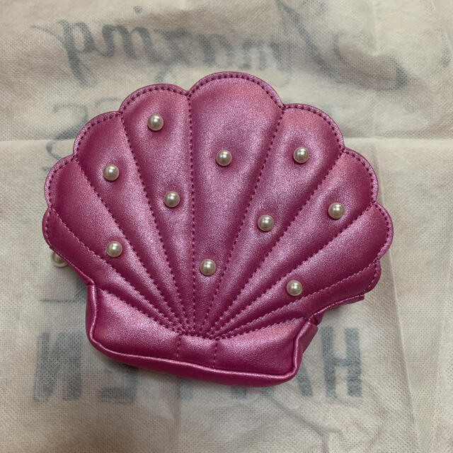 Maison de FLEUR(メゾンドフルール)のシェルポーチ ダークピンク レディースのファッション小物(ポーチ)の商品写真