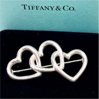 Tiffany & Co. - ティファニー トリプルハート silver ブローチ 18631901