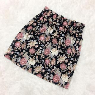 アベイル(Avail)の花柄 タイトスカート(ミニスカート)