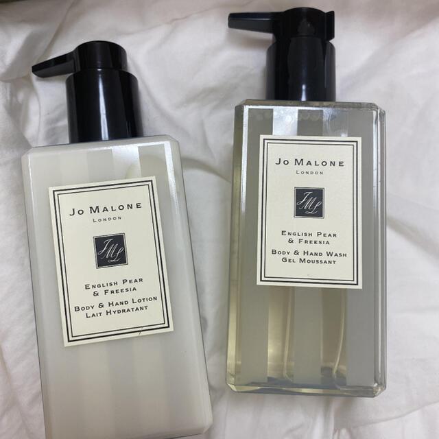 Jo Malone(ジョーマローン)のJo MALONE  ENGLISH PEAR ジェル&ローションセット コスメ/美容のボディケア(ボディローション/ミルク)の商品写真