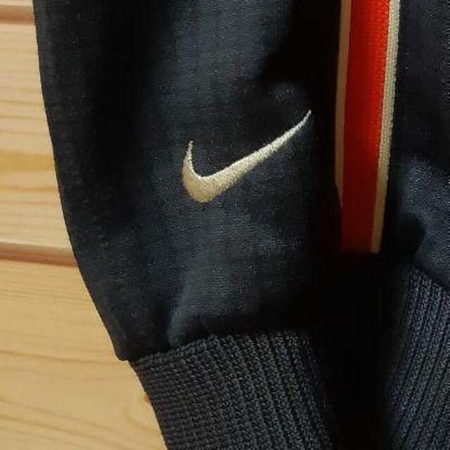 NIKE(ナイキ)のナイキNIKE トラックジャケット ジャージ 刺繍ロゴ M 人気の黒 メンズのトップス(ジャージ)の商品写真
